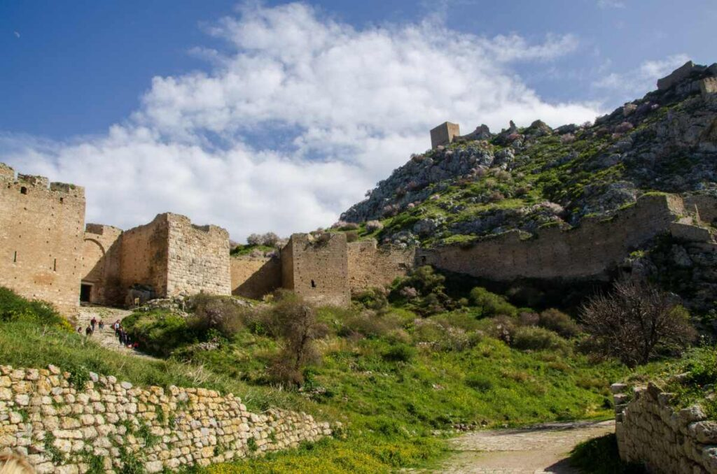 wide view of the main entrance and higher elevations of the acrocorinth