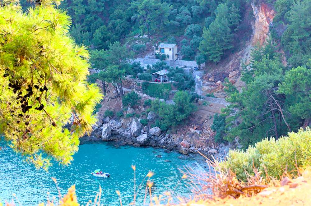 beautiful remote cottage on thassos island with sea below